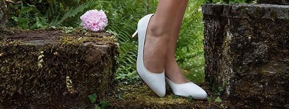 Angesagte-Accessoires-und-Schuh-Trends-f-r-die-Hochzeit-2019