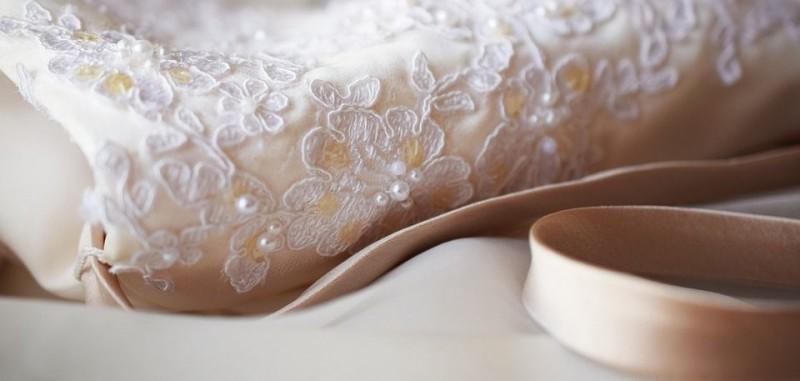 Stilvolle Strümpfe zum Brautkleid kaufen