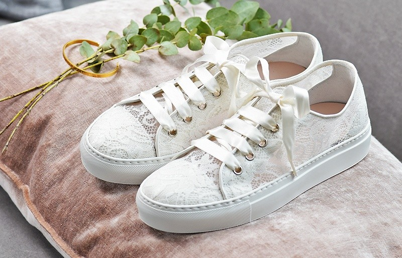 reputable site cf2d5 250b7 Der neue Trend - Braut Sneaker | Braut-Boutique