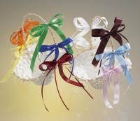 Blumenkörbchen - Ringkörbchen mit Dekoschleifen weiß/hellblau