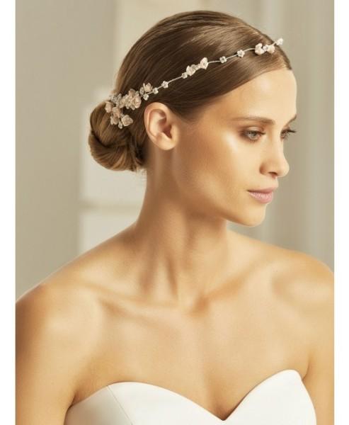 Ella Haardraht mit Blüten, Perlen und Kristallen
