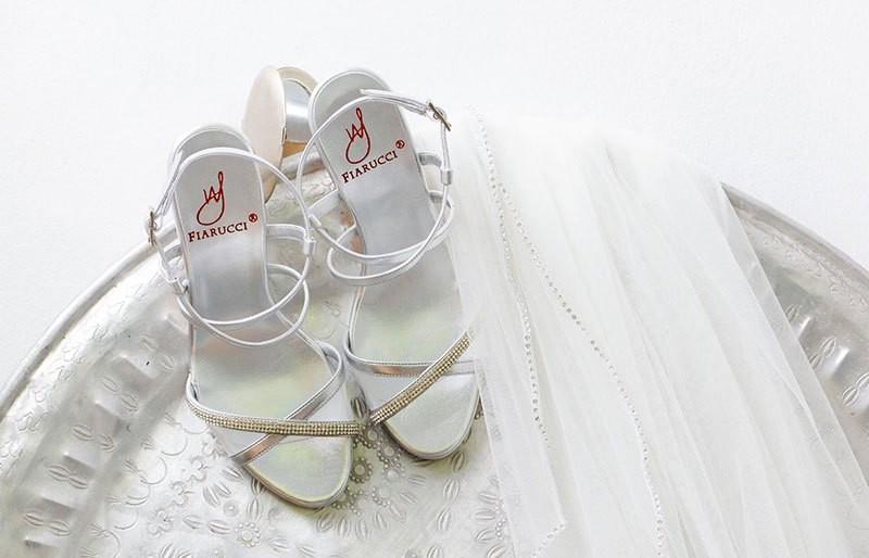 Schleppennadel kaufen für Ihr Brautkleid