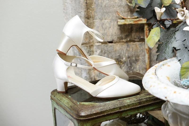 best website ed7fb fe501 Brautschuhe online kaufen | Braut-Boutique