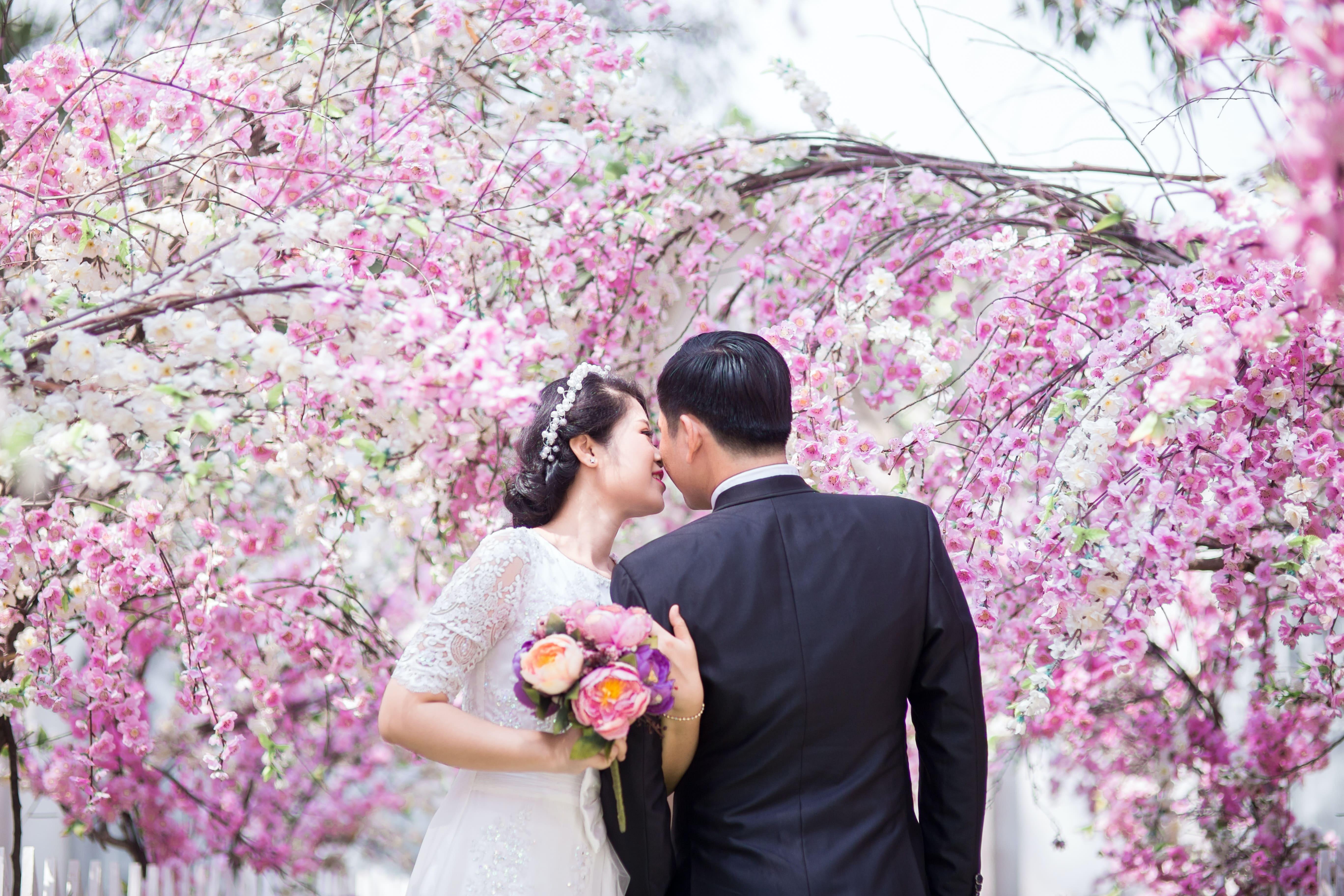 Hochzeit-im-Fr-hling-1Z4MjHVHgBKXaS